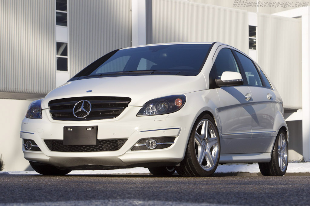 Click here to open the Mercedes-Benz B 55 AMG Concept gallery