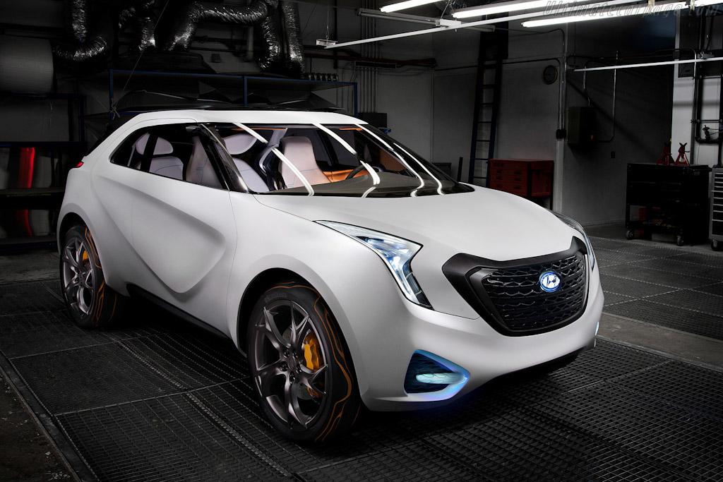 Hyundai HCD-12 Curb Concept