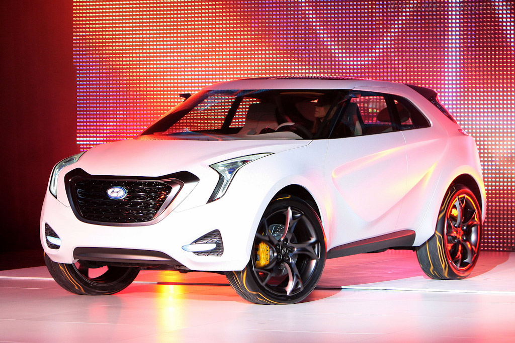 Click here to open the Hyundai HCD-12 Curb Concept gallery