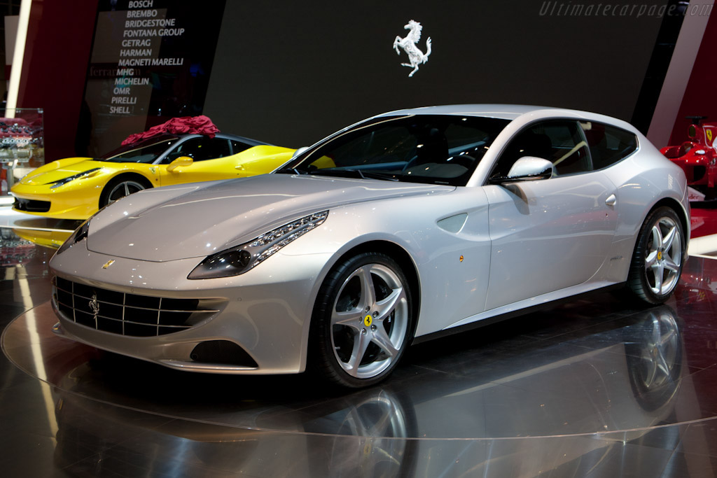 Click here to open the Ferrari FF gallery