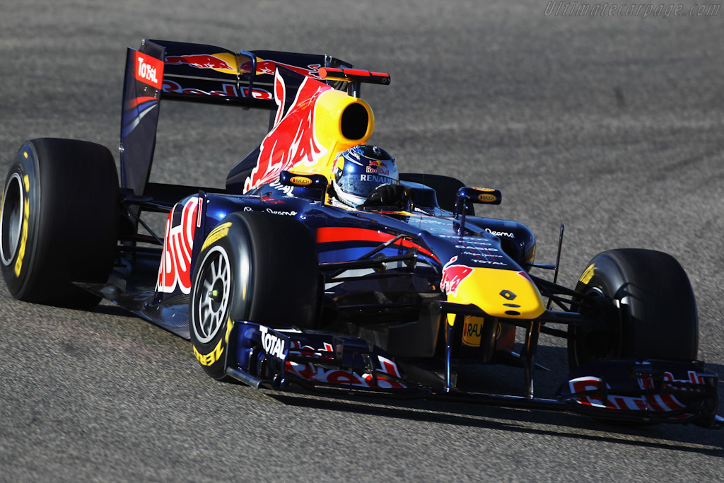 Click here to open the Red Bull Racing RB7 Renault gallery