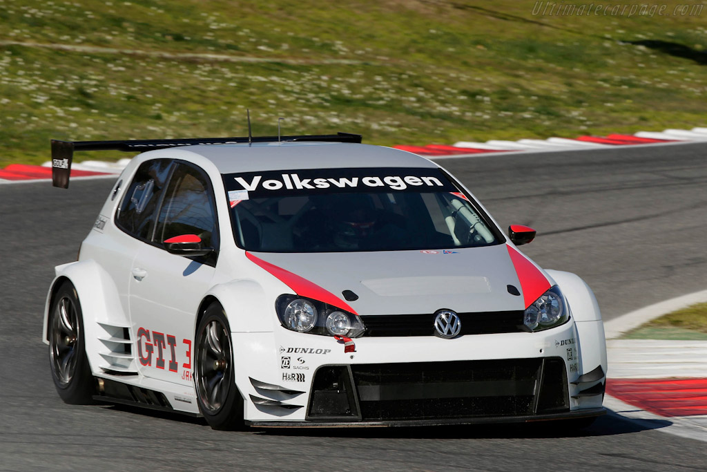 Click here to open the Volkswagen Golf24 gallery