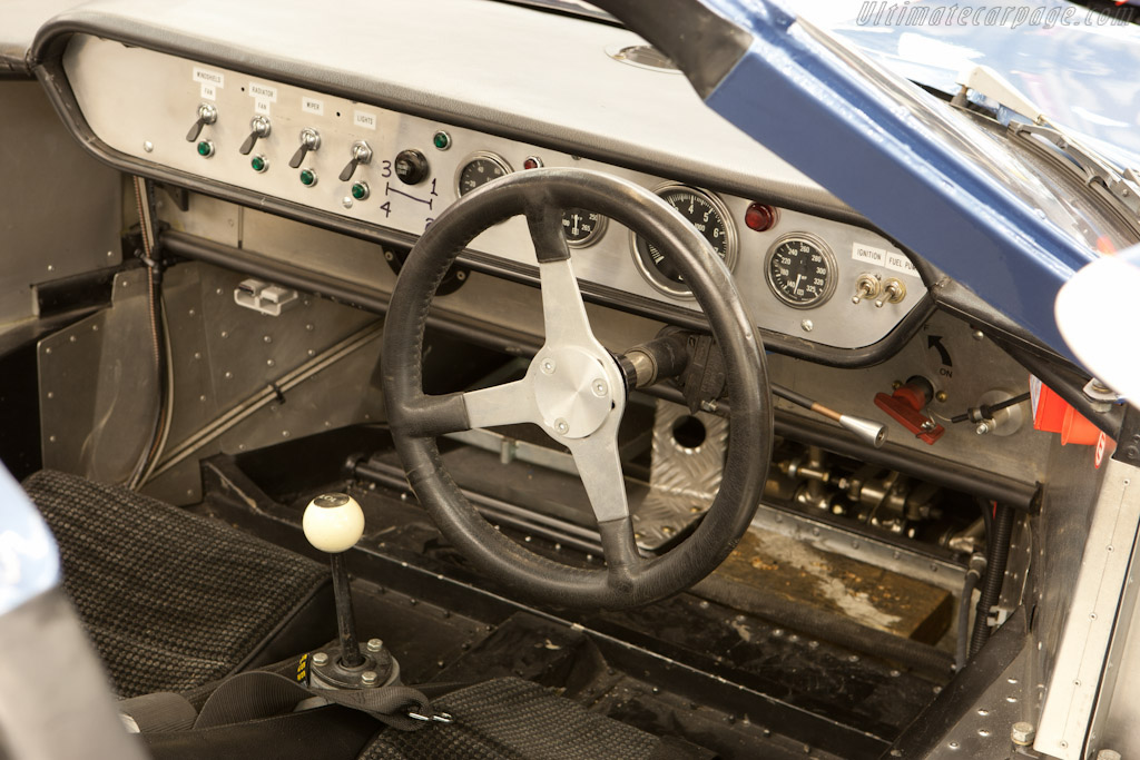 Lola Mk6 GT Chevrolet - Chassis: LGT/2   - 2011 Retromobile