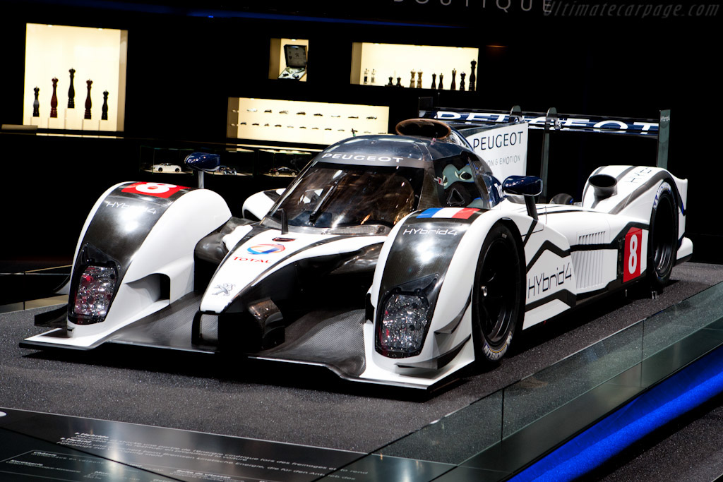 Click here to open the Peugeot 908 HYbrid4 gallery