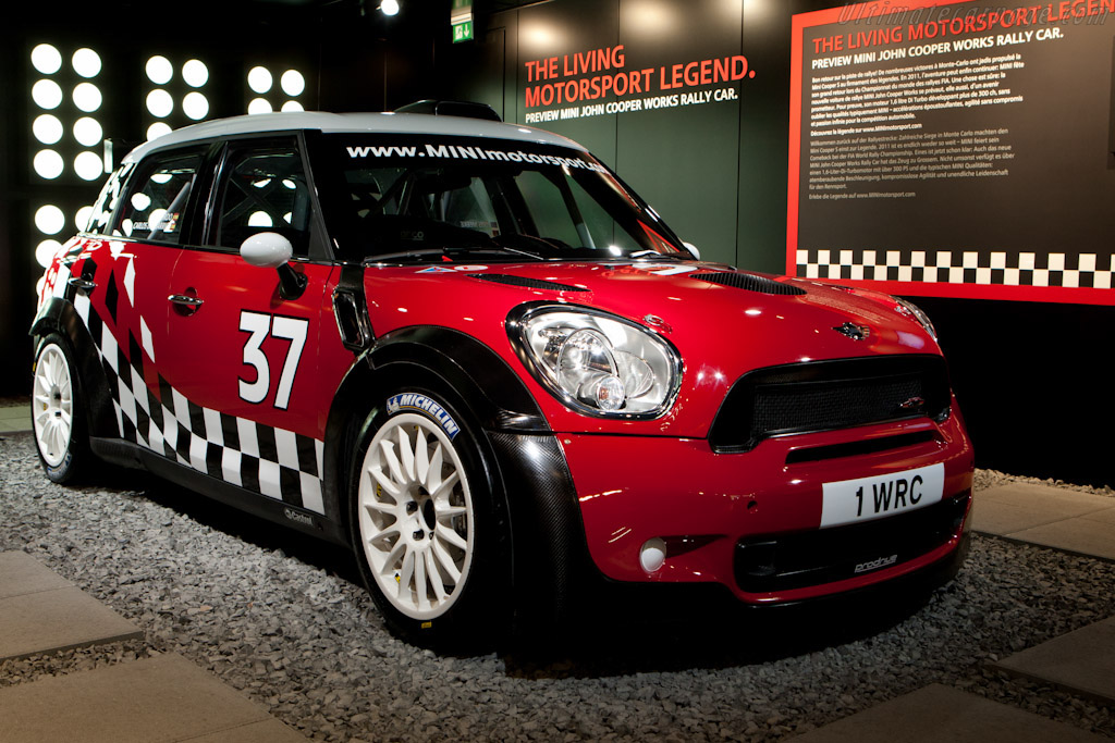 Click here to open the MINI Countryman JCW S2000 gallery