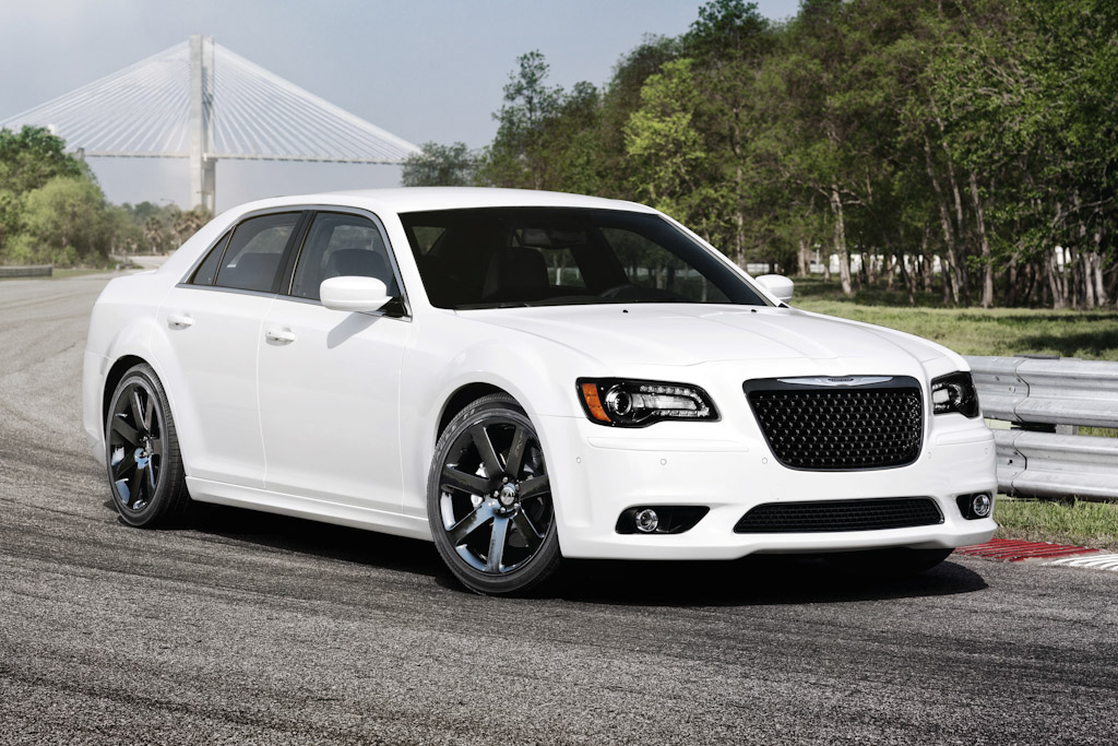 Click here to open the Chrysler 300 SRT8 gallery