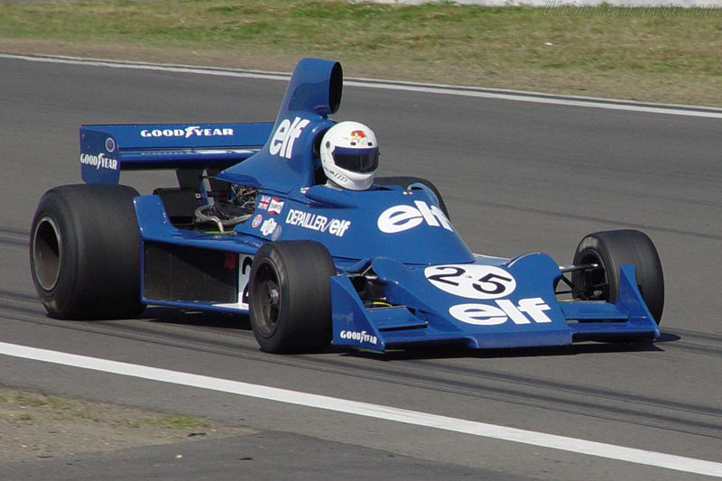 Click here to open the Tyrrell 007 Cosworth gallery