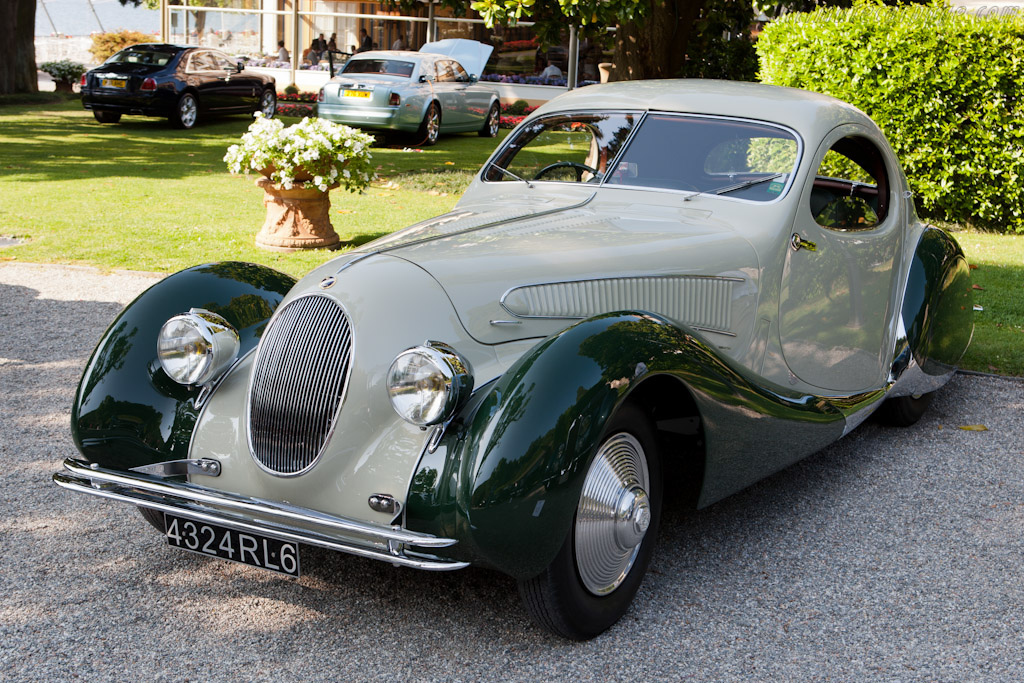 Click here to open the Talbot Lago T23 Figoni & Falaschi Teardrop Coupé gallery