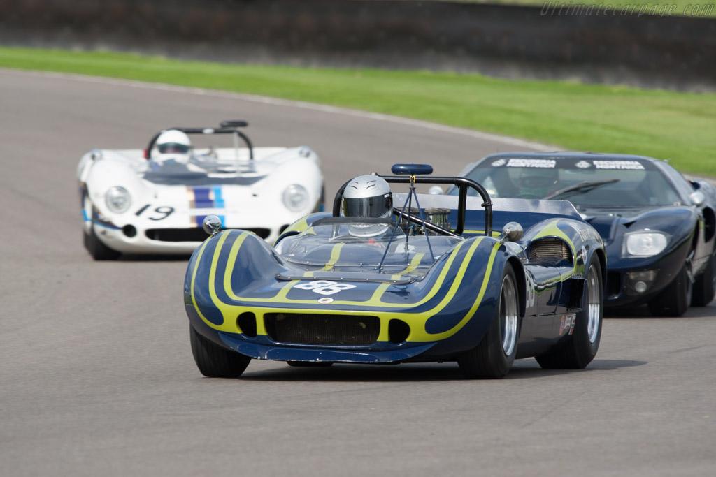 McLaren M1B Chevrolet - Chassis: 30-19   - 2011 Goodwood Revival