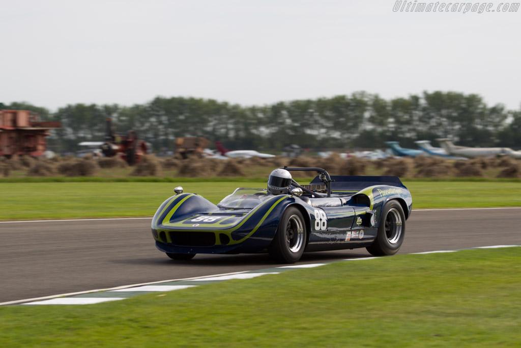 McLaren M1B Chevrolet - Chassis: 30-19   - 2015 Goodwood Revival