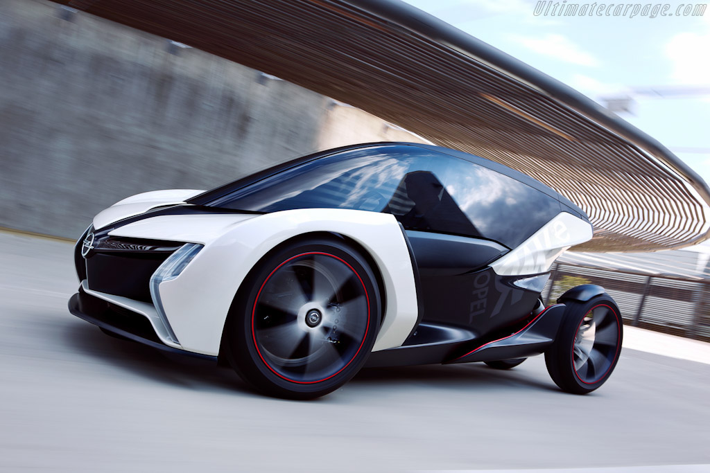 Click here to open the Opel RAK e Concept gallery