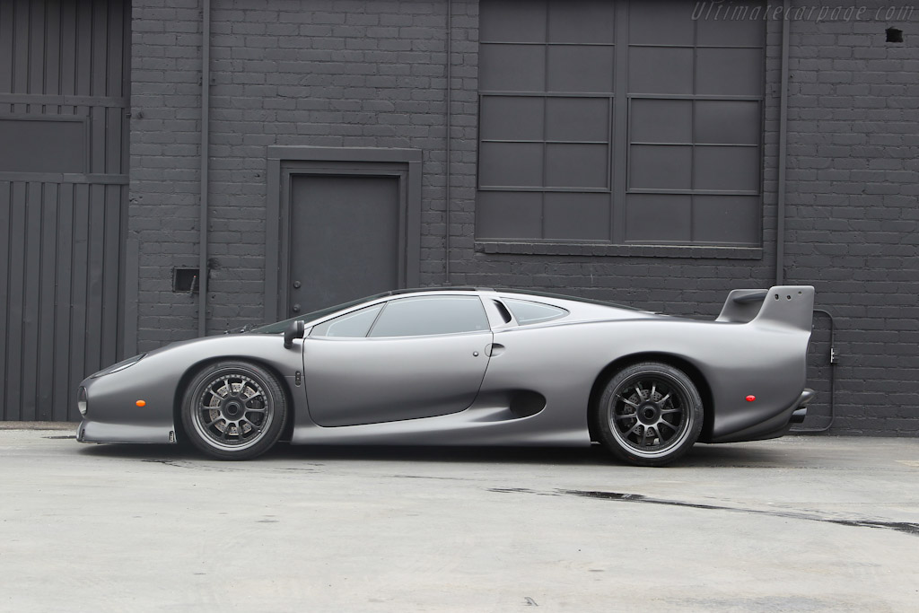 1993 1994 Jaguar Xj220s Images Specifications And