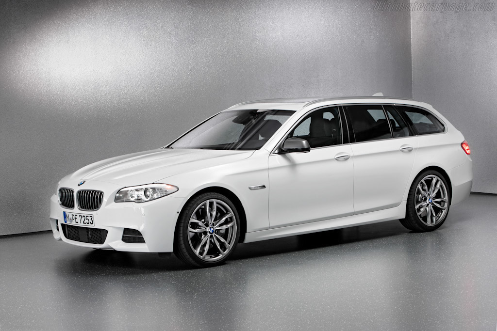Click here to open the BMW M550d xDrive Touring gallery