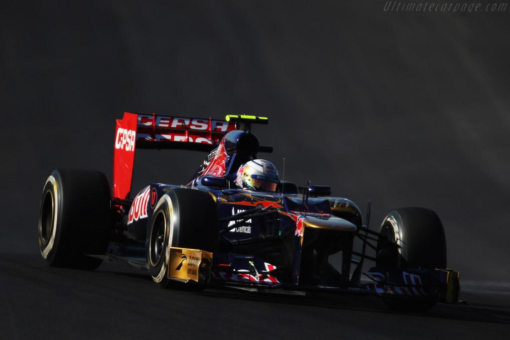 United States Grand Prix >> Toro Rosso STR7 Ferrari (2012 United States Grand Prix) High Resolution Image