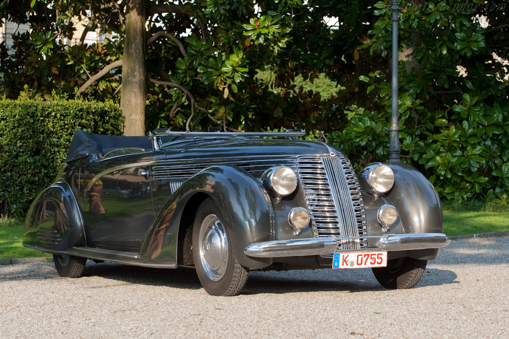 Click here to open the Lancia Astura Boneschi Cabriolet gallery