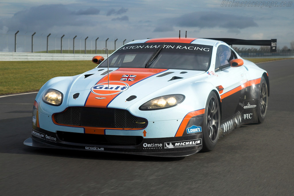 Click here to open the Aston Martin V8 Vantage GTE gallery