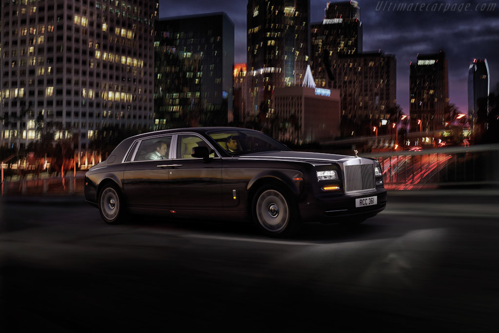 Click here to open the Rolls-Royce Phantom Series II EWB gallery