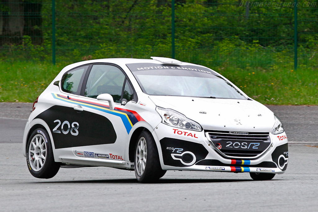 Click here to open the Peugeot 208 R2 gallery