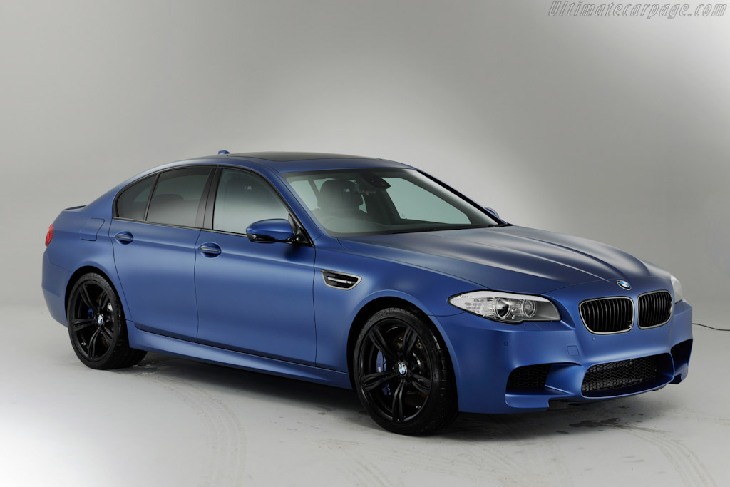 Click here to open the BMW M5 Performance Edition gallery