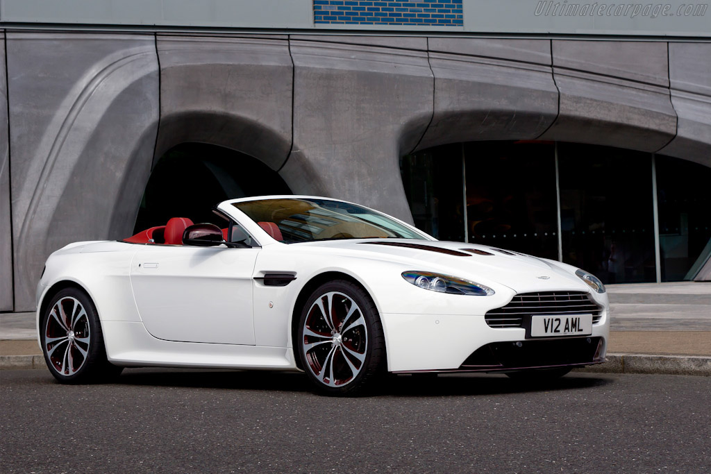 Click here to open the Aston Martin V12 Vantage Roadster gallery