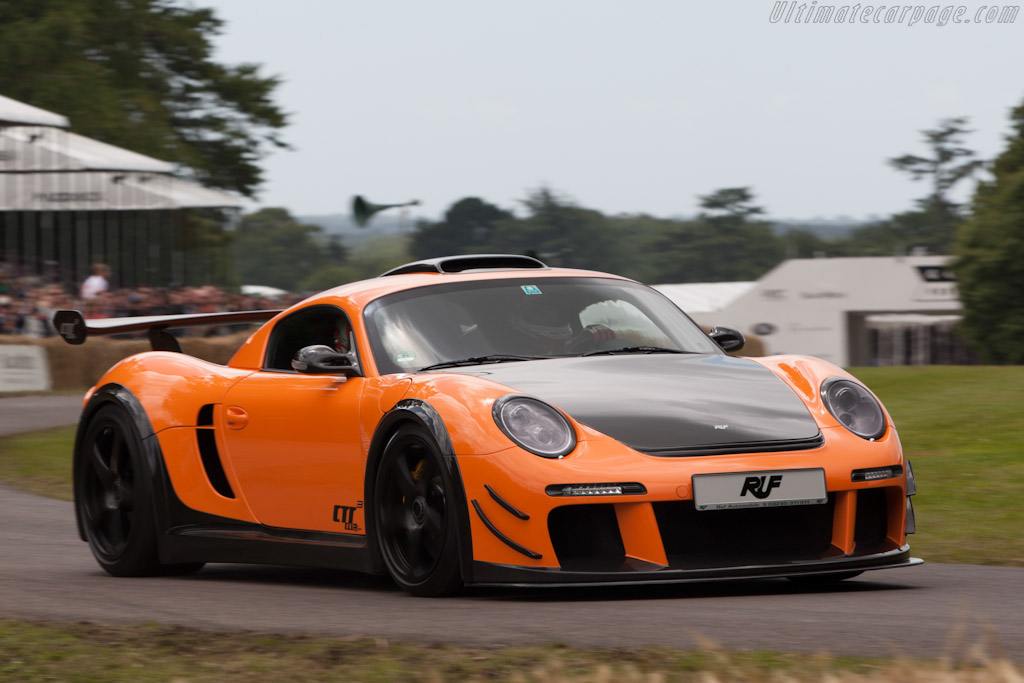 Click here to open the RUF CTR 3 Clubsport gallery