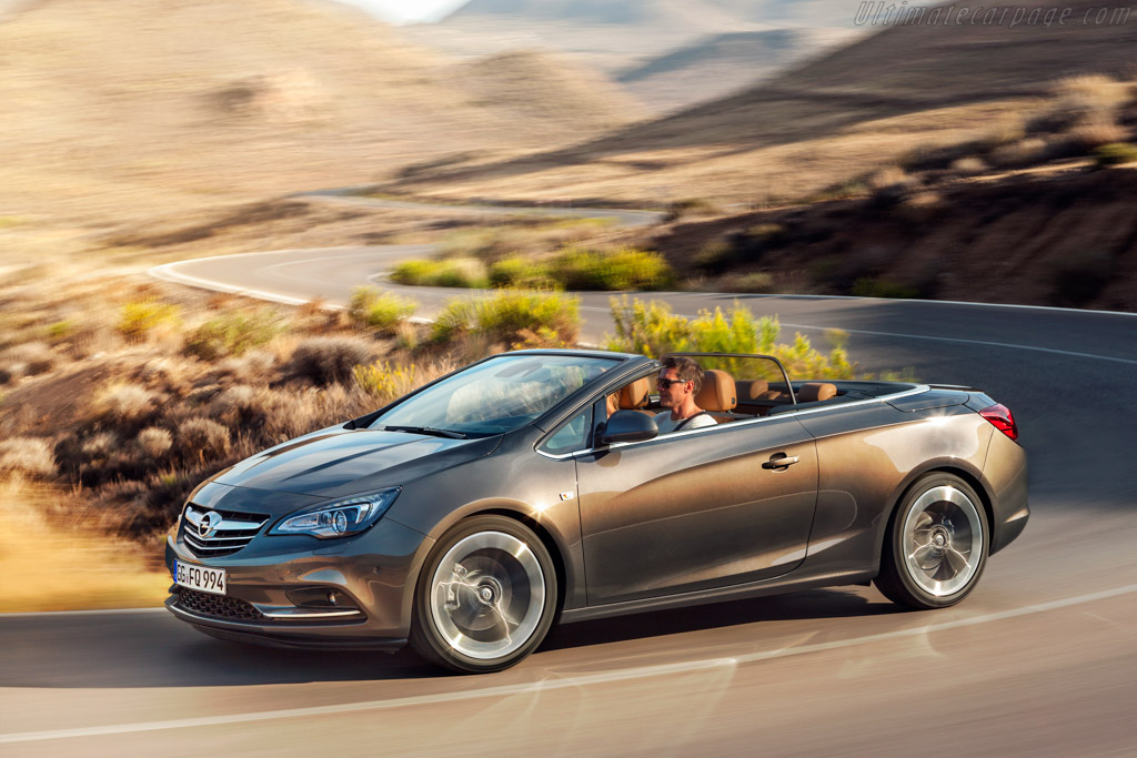 Click here to open the Opel Cascada gallery