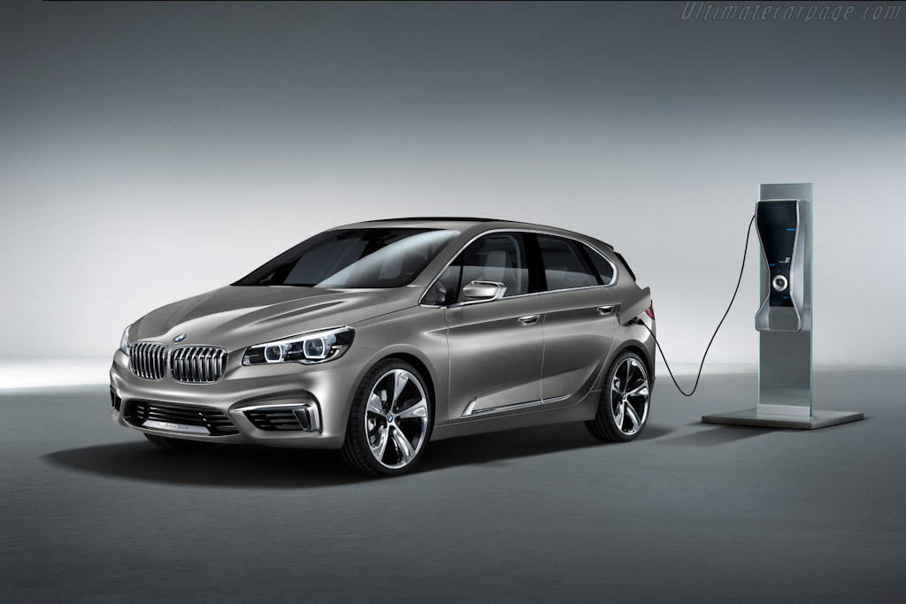 Click here to open the BMW Concept Active Tourer gallery