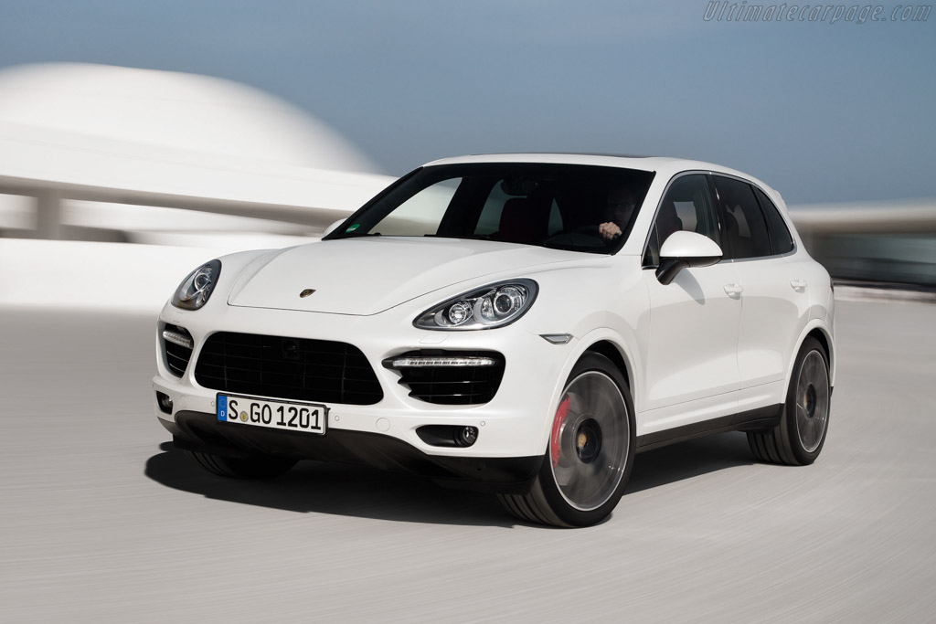Click here to open the Porsche Cayenne Turbo S gallery