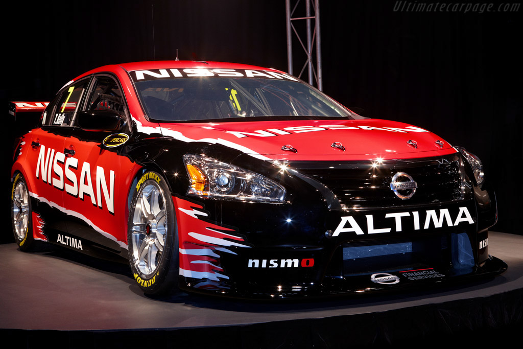 Click here to open the Nissan Altima V8 Supercar gallery