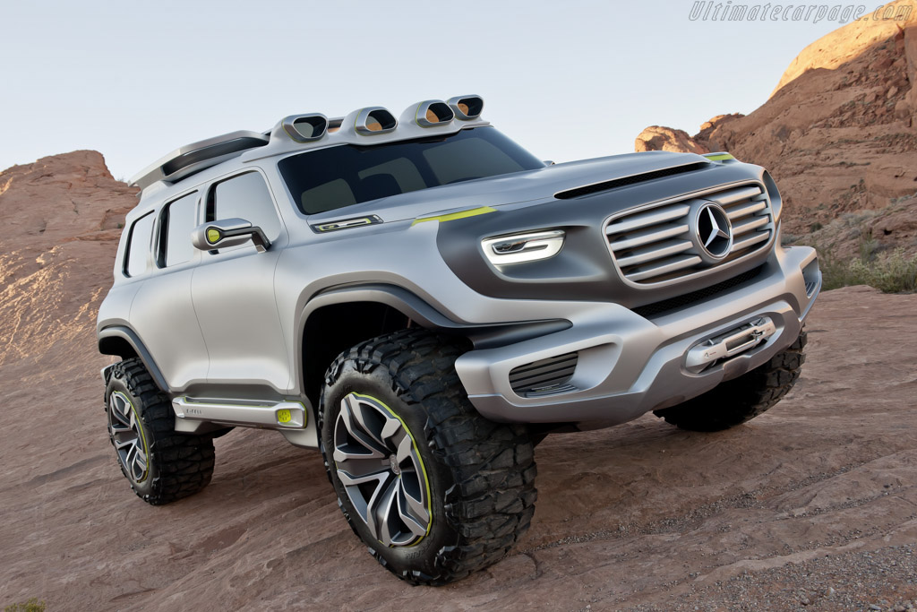 Click here to open the Mercedes-Benz Ener-G-Force gallery