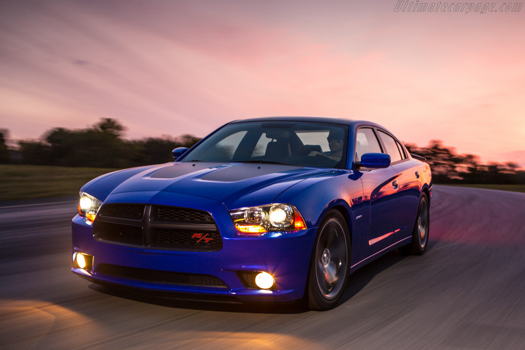 Click here to open the Dodge Charger R/T Daytona gallery