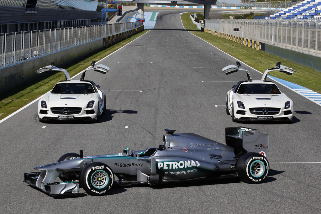 Click here to open the Mercedes-Benz W04 gallery