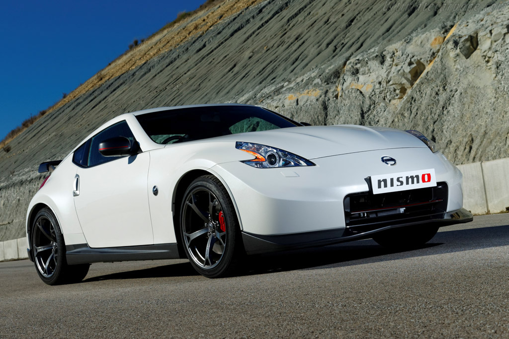 Click here to open the Nissan 370Z Nismo gallery