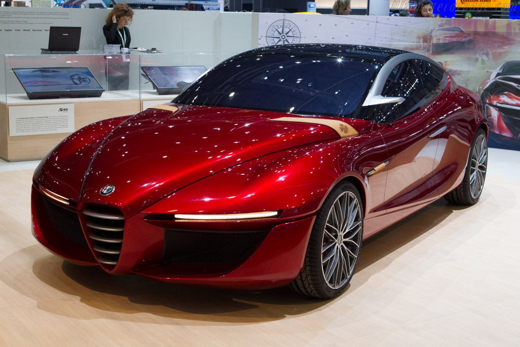 Click here to open the Alfa Romeo Gloria Concept gallery