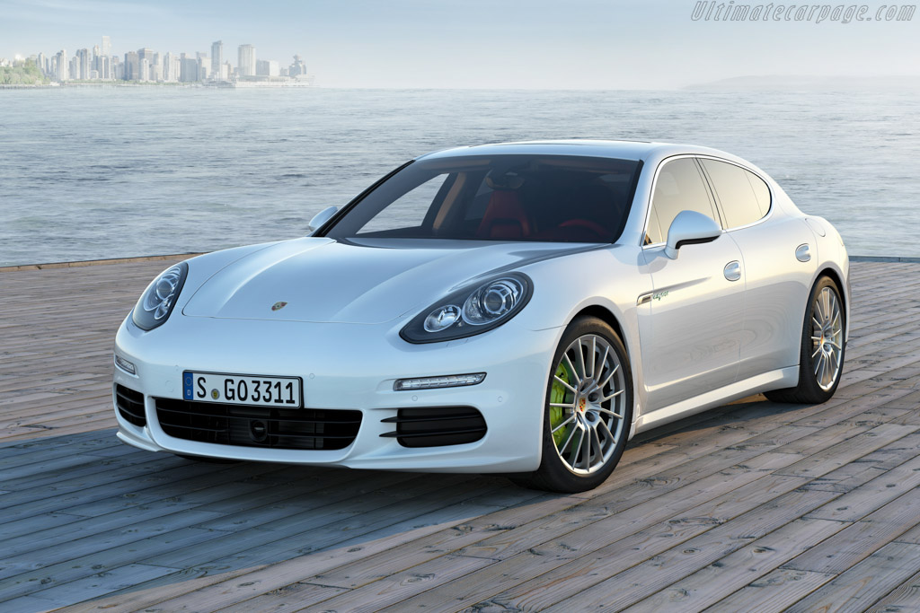 Click here to open the Porsche Panamera S E-Hybrid gallery