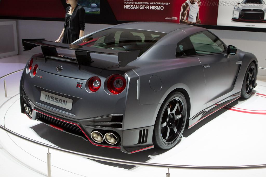 Nissan gt r nismo 2014 geneva international motor show high resolution image
