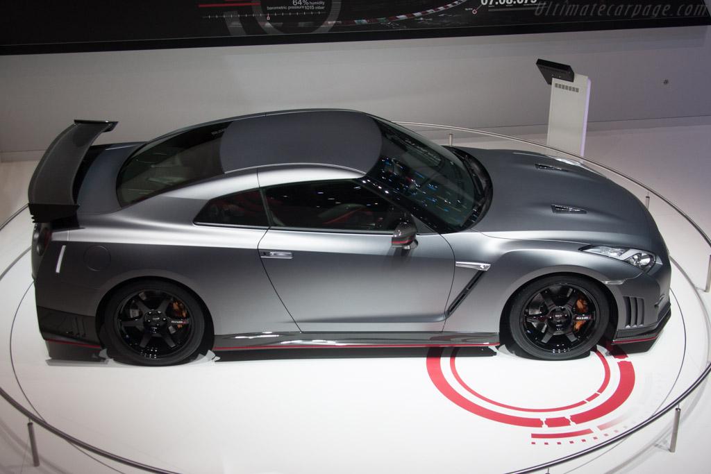 2014 Nissan Gt R Track Pack Vs 2014 Audi R8 V 10 Plus Head
