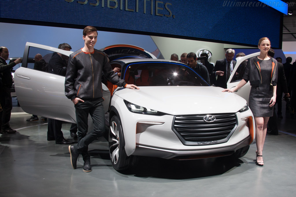 Hyundai Intrado Concept    - 2014 Geneva International Motor Show