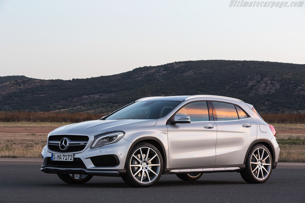 Click here to open the Mercedes-Benz GLA 45 AMG gallery