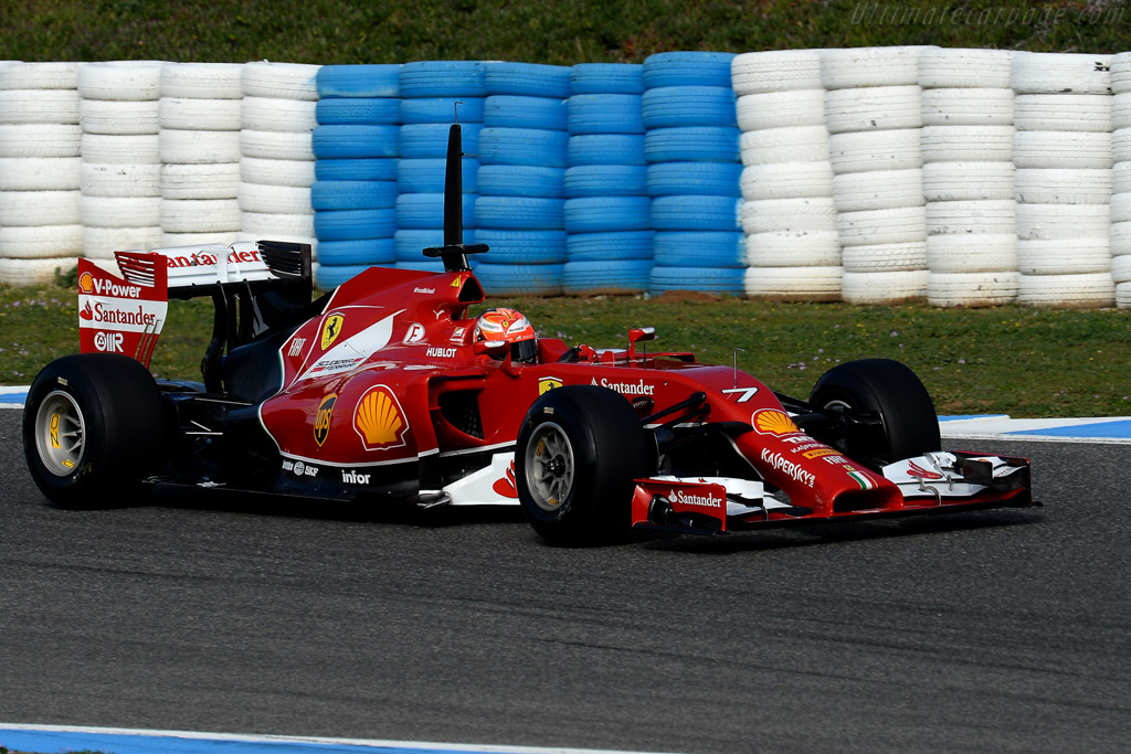 Click here to open the Ferrari F14 T gallery