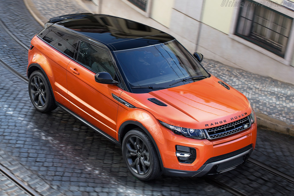 Click here to open the Land Rover Range Rover Evoque Autobiography Dynamic gallery