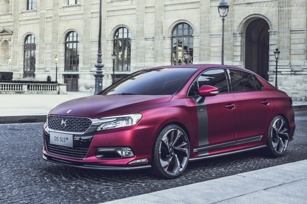 Click here to open the Citroën DS 5LS R gallery
