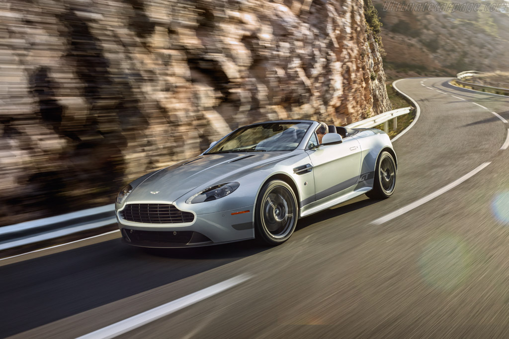 Click here to open the Aston Martin V8 Vantage GT Roadster gallery