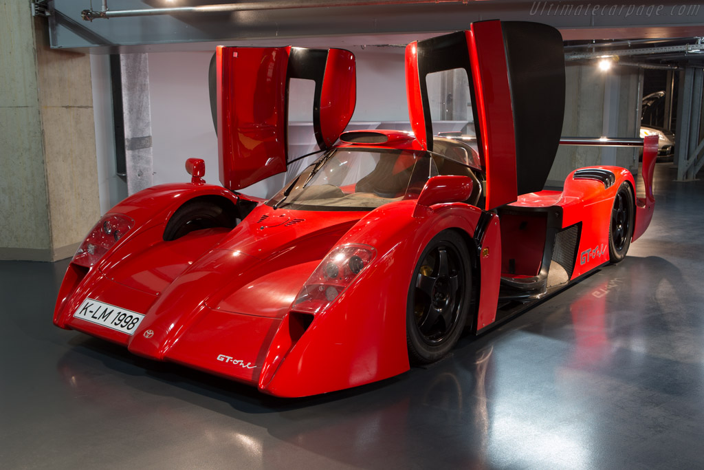 Toyota GT-One Road Car - Chassis: LM803   - Toyota Motorsport visit