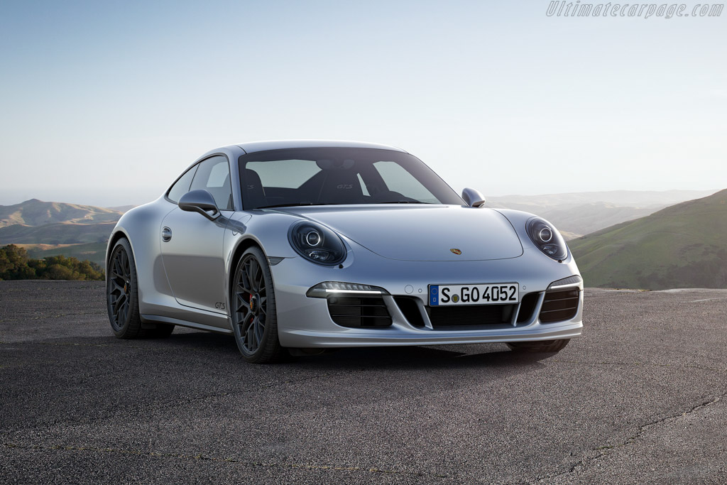 Click here to open the Porsche 911 Carrera 4 GTS gallery