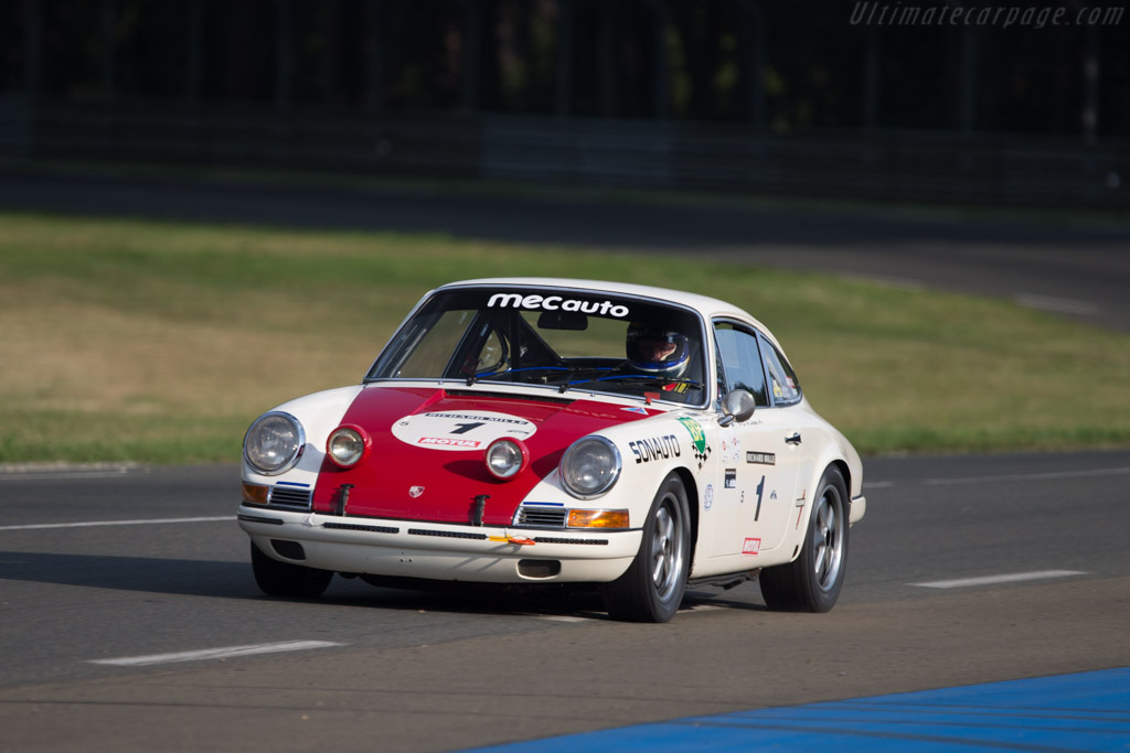 porsche 911 le mans with Porsche 911 T R 49844 on 24 Hours Of Le Mans A Porsche 911 History likewise 2012 Best Year History Porsche in addition Tuthill Porsche Invites Safari Classic Rally Entries moreover Porsche 911 Carrera RSR besides Porsche 911 T R.