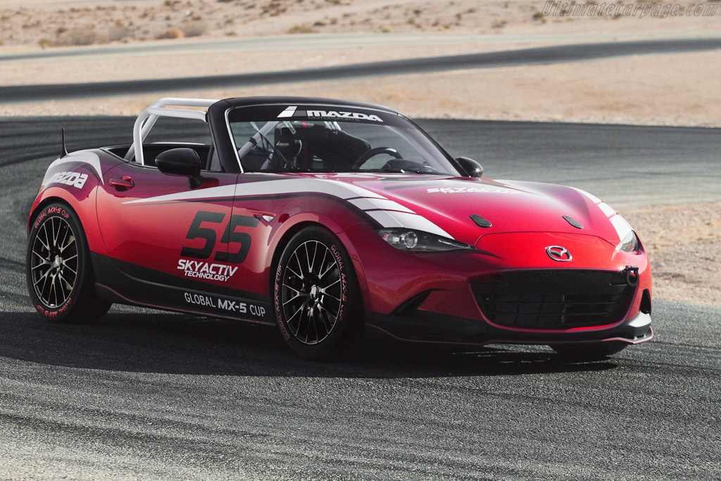Click here to open the Mazda MX-5 Cup gallery