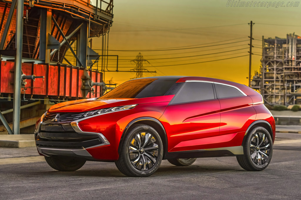 Click here to open the Mitsubishi Concept XR-PHEV gallery