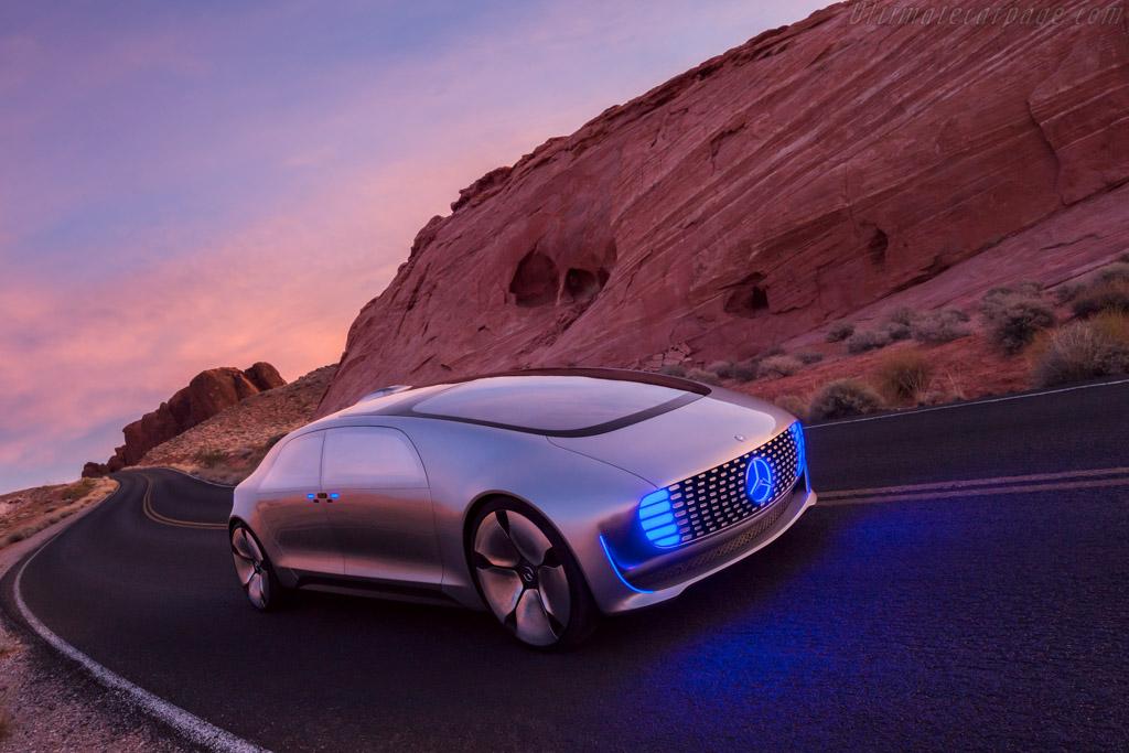 Mercedes benz f 015 luxury in motion for Mercedes benz schererville in