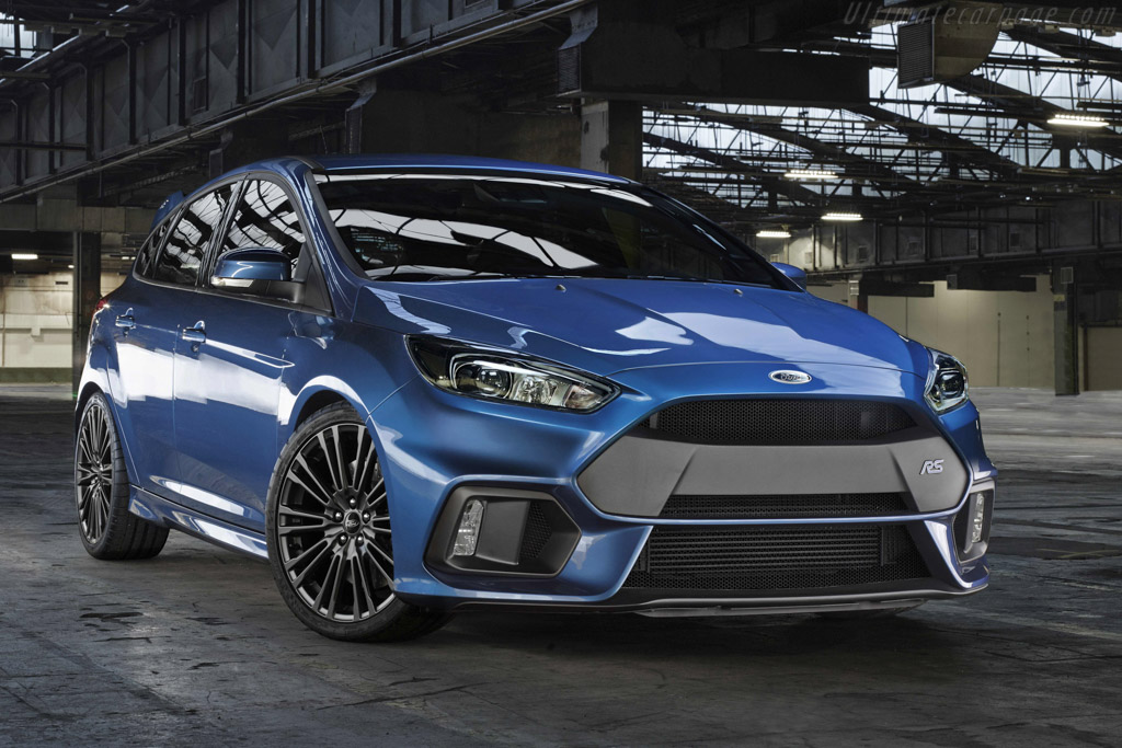 Click here to open the Ford Focus RS gallery